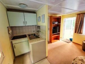 Bungalow 1 - Küche und Wohnzimmer