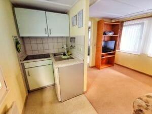 Bungalow 2 - Küche und Wohnzimmer