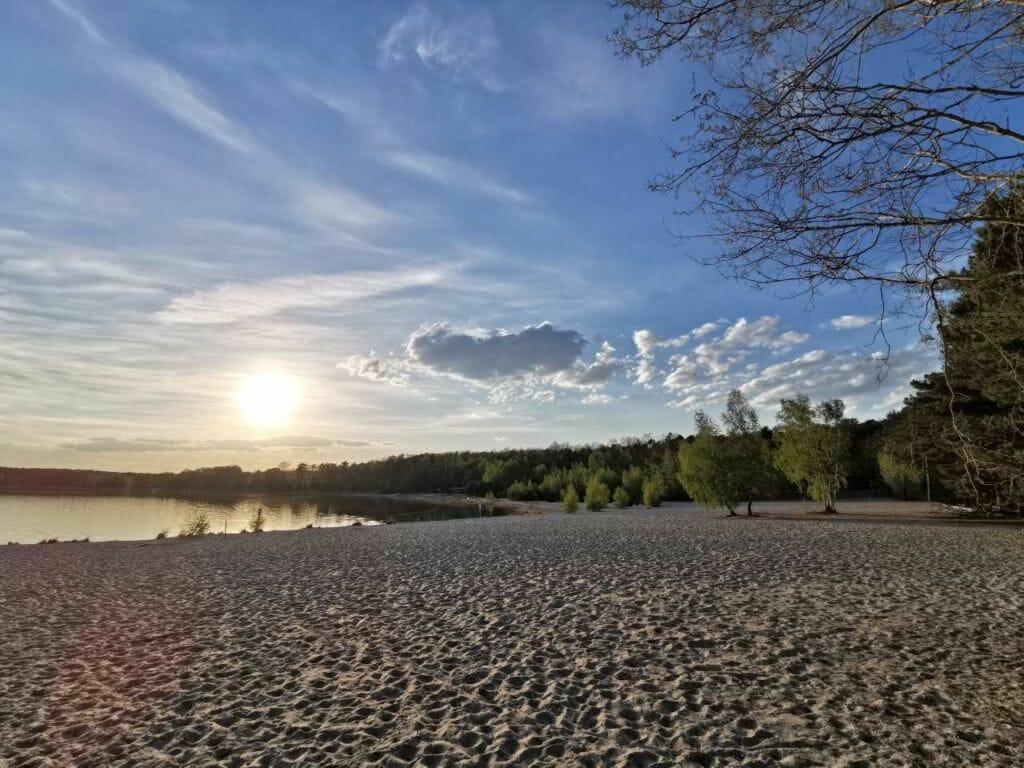 Sonnenuntergang am Badestrand Großsee