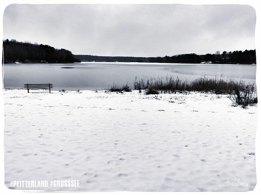 Großsee im Schnee - eine Bank zum Verweilen